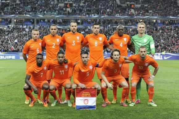 Bekijk WK voetbalwedstrijd Nederland - Spanje ook via internet | PCM: www.pcmweb.nl/nieuws/bekijk-wk-wedstrijd-nederland-spanje-ook...