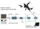 Man bestuurt drone met Game Boy