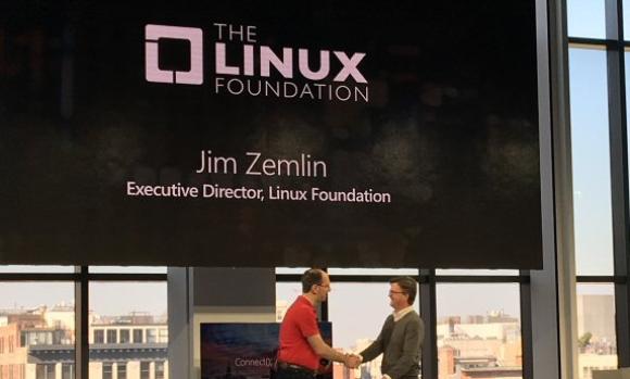 Microsoft wordt Linux Foundation Platinum member